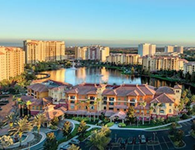 2 Bedroom Deluxe @ Wyndham Bonnet Creek Resort