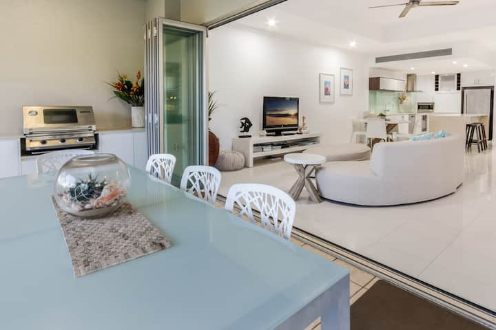 Island Views 16 | Luxury 3 Bedroom Apartment