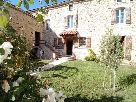 Maison (PISCINE et CLIM) entre Sarlat et Bergerac