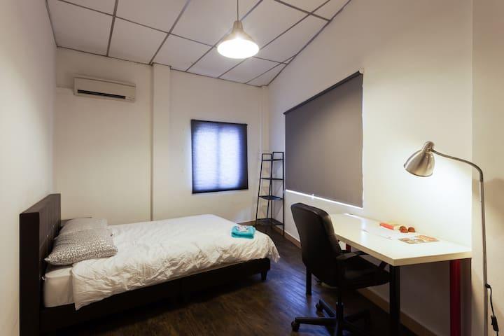 Town - Room 2E
