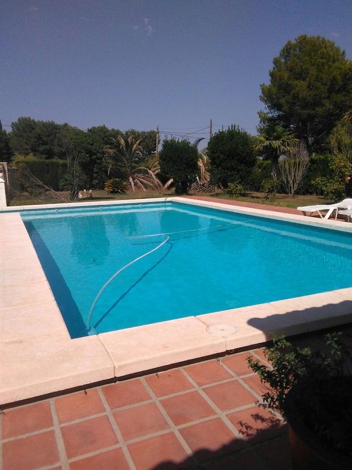 Fantastico chalet con piscina barbacoa en valencia