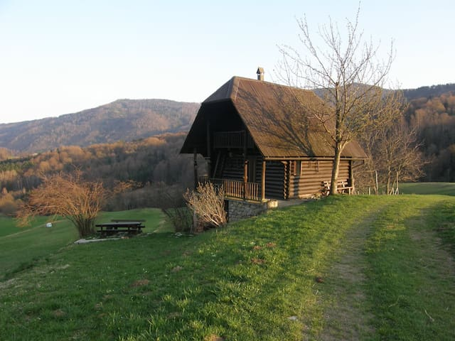 Gradpa's lodge in peaceful area - Planina pri Sevnici