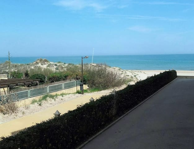 Beachfront apartment - El Perellonet