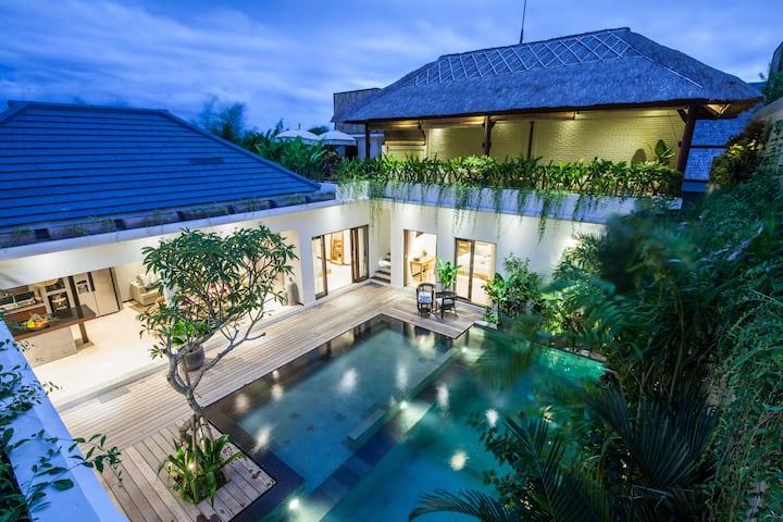 Villa Frangipani Putih
