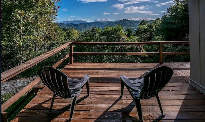 New Listing | Views | Hot Tub & Fire Pit Waiting!