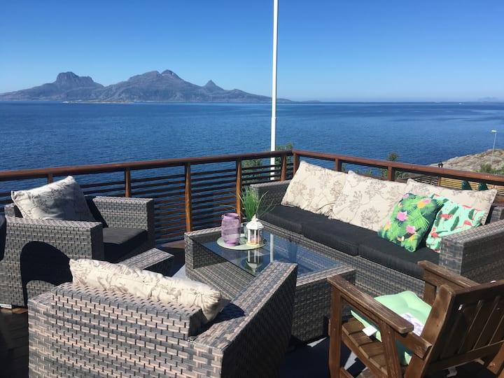 Flott utsikt over Vestfjorden og lofotveggen