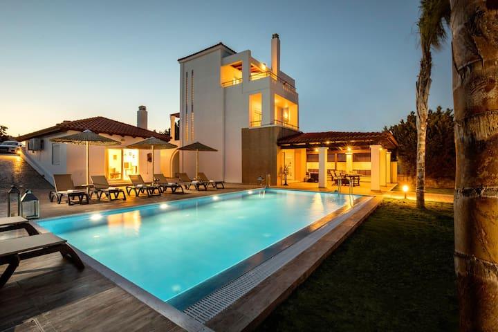 Gennadi Beach Villa - Private Sandy Beach & Pool !