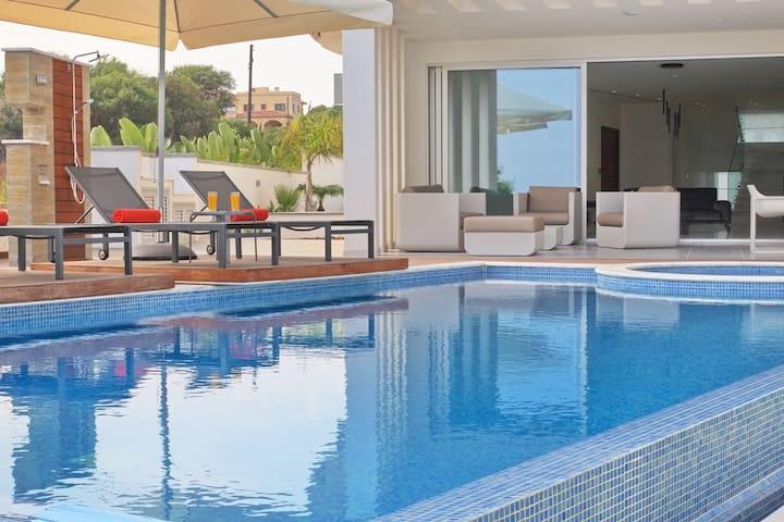 Perenna Seafront Elite Villa | 5 Bedrooms