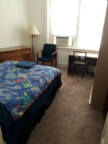 Beautiful room in Historic Mt Pleasant