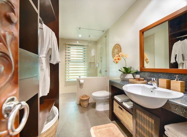 Bedroom 2: En suite, rain shower, and top-class fixtures.