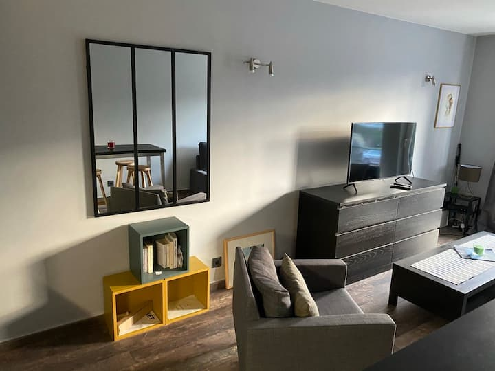 Charming studio 300m from Gent St Pieters Station
