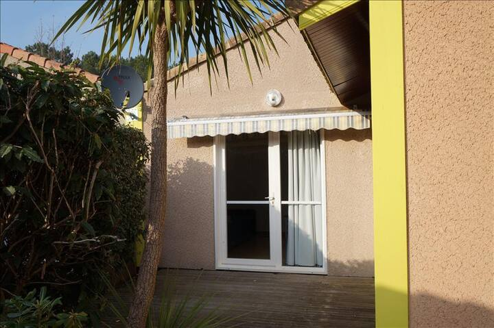 Sun Hols Villas du Lac 17 - Quality 1 Bed Villa in Idyllic Environment South West France Coast