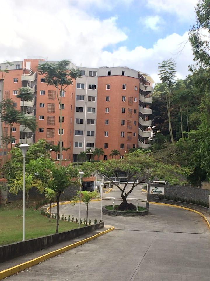 Un Apartamento con una hermosa vista a la ciudad