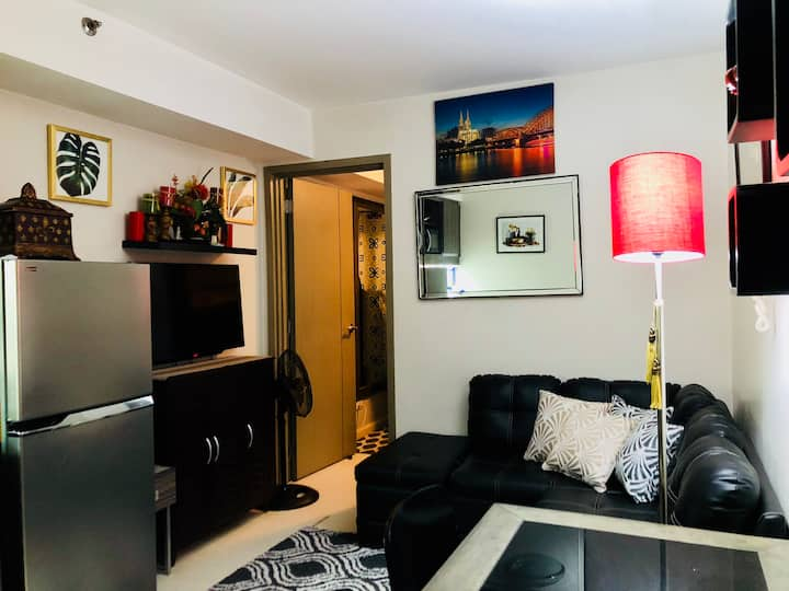 One-bedroom unit:Solemare with WIFI,Netflix,Cable