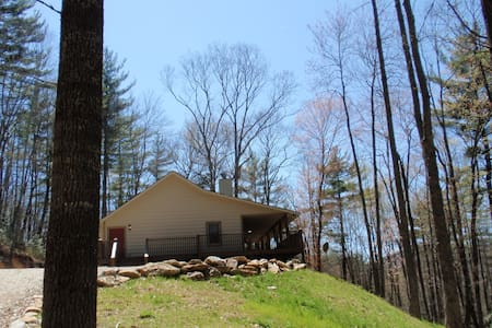 Woodland Vista Cabin on 53 Acres - Cullowhee