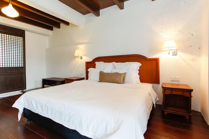 ★ Author Suite, Room with River-View and Balcony