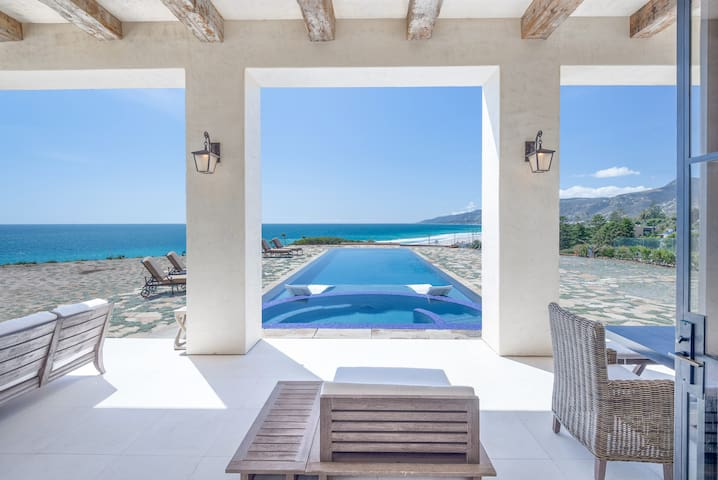 Malibu Beach Luxury Estate - Malibu