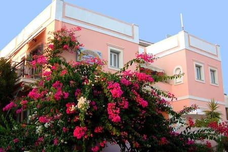 Villa Rodanthos - Studio 10 - Aigina - Pis