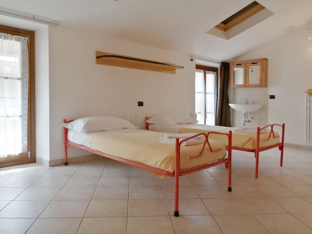 Room with two single beds very spacious