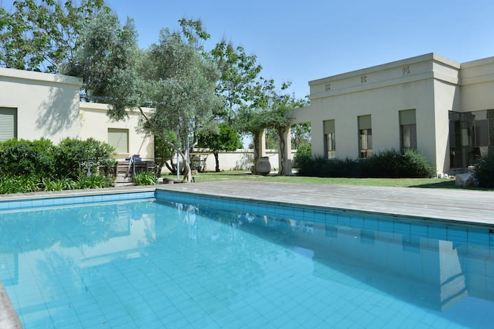 Private Villa in Beit-Yitzchak