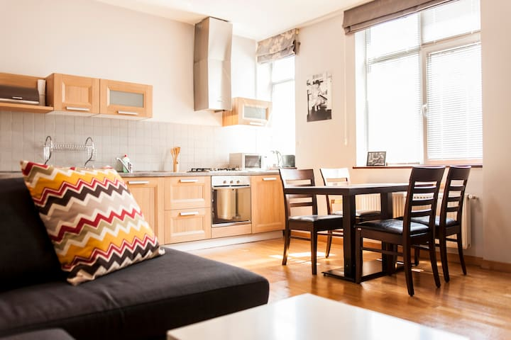 Awesome 2Bedroom in Old (Down) Town