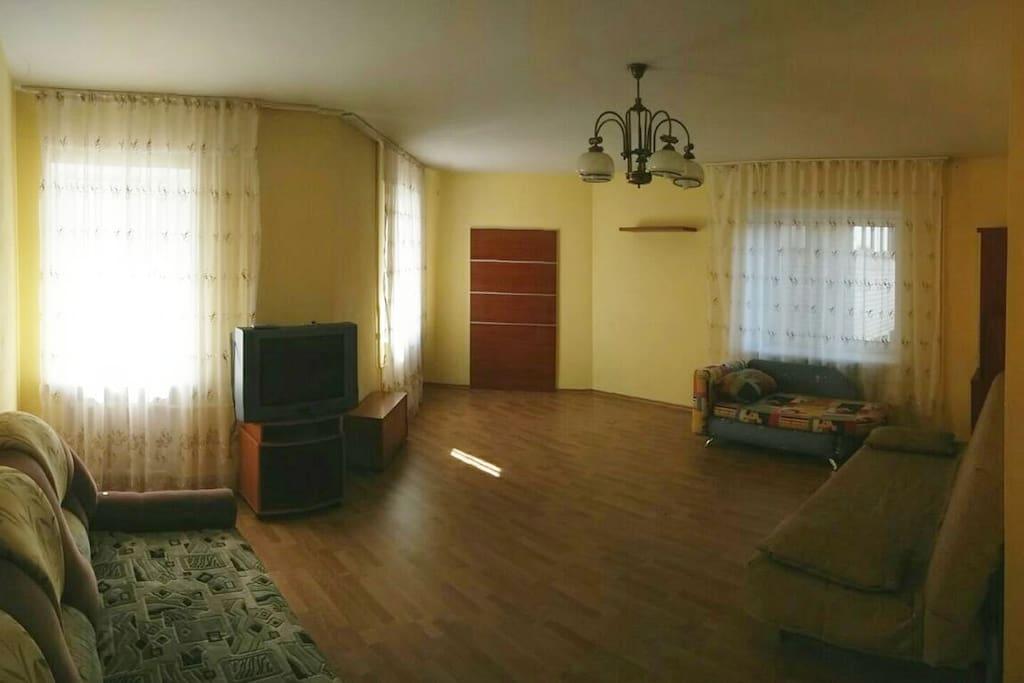 Living room (Гостинная)