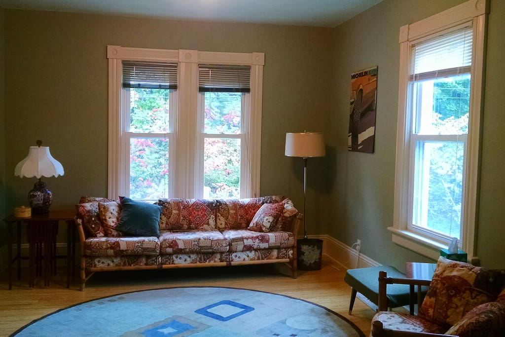 """Recently refurbished with bamboo floors and a silent heating system. """"The place is immaculately clean and imaginatively decorated in mid-century modern. """" Marla, August 2016"""