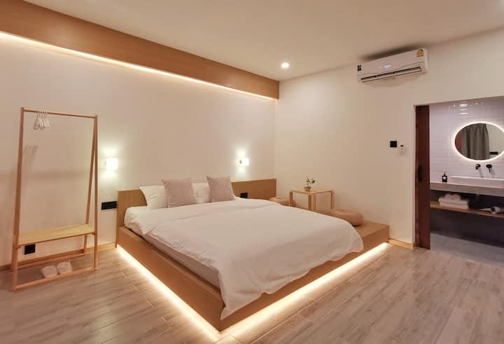 A cute little hotel in heart of Chiang Mai city-DD