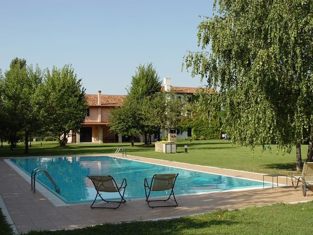 Country house with swimming pool - Oderzo - Apartament