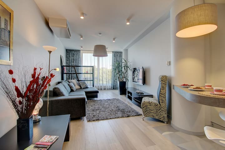 Old Town Riverside apartment