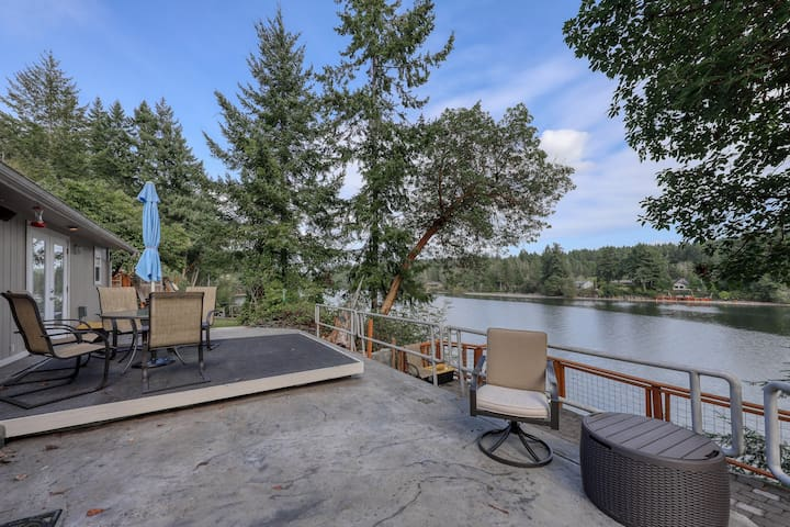 Beachfront retreat w/furnished decks, private grill & beach and lake views!