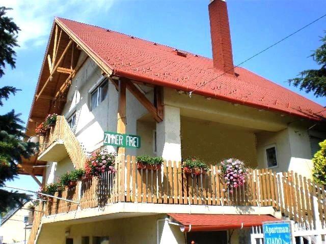 Barb's home #1 Alsóörs-Lake Balaton - Alsóörs - Casa