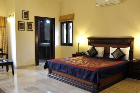 Good Private Rooms in Agra - อักรา - ที่พักพร้อมอาหารเช้า