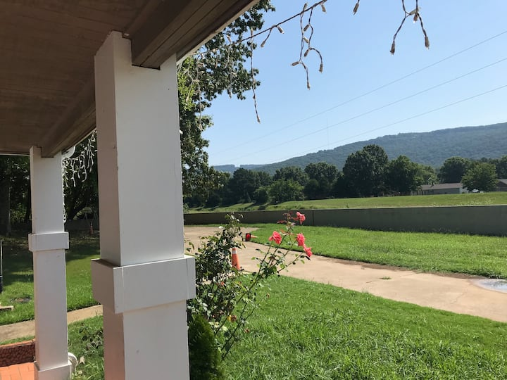 Secluded 3BR Mountain View in the City