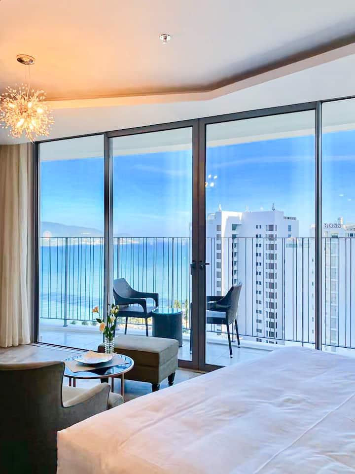 Ocean-view luxury Condo/ Central Located🌟