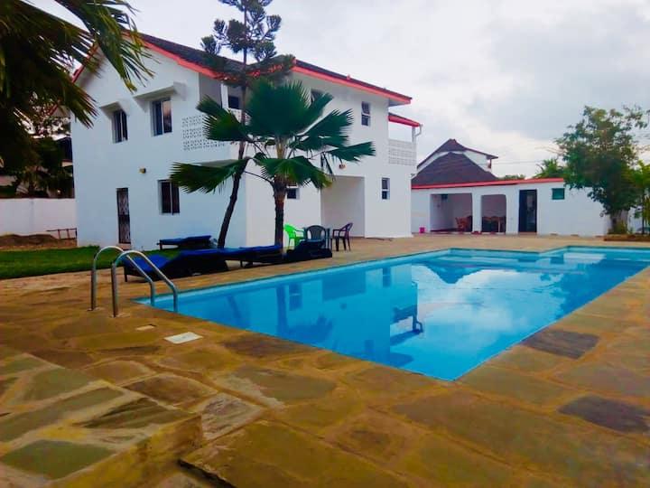 Pumzika Villa Diani Beach (Entire Villa)