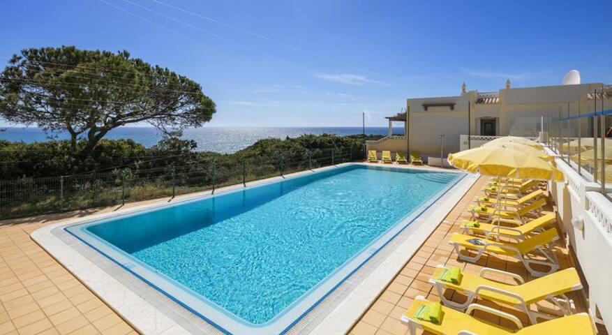 2BR Ocean view, Casa Rosa Azul - Carvoeiro - Villa