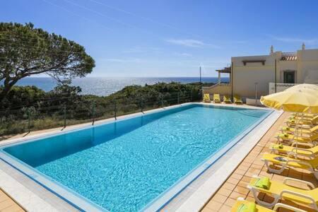 2BR Ocean view, Casa Rosa Azul - Parchal