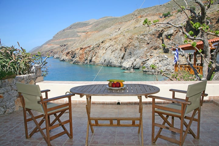 On the beach Suite 2 in Sfakia