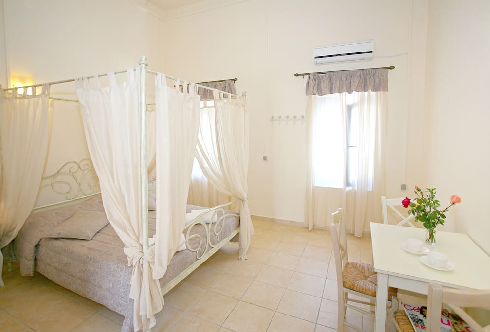 Spacious suite with double bed
