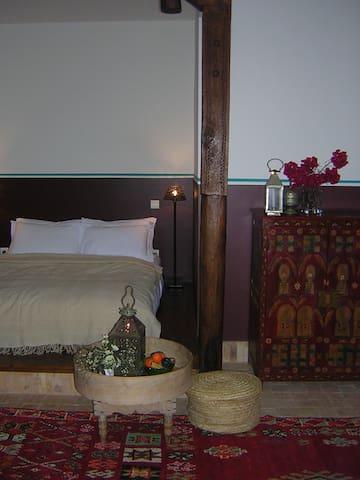 Dar-Al-Manar   Berbère bed room