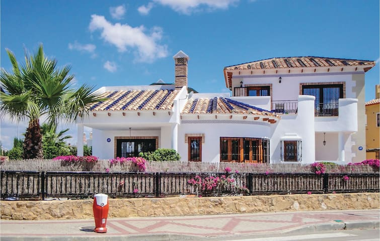 Holiday cottage with 3 bedrooms on 156 m² in Algorfa