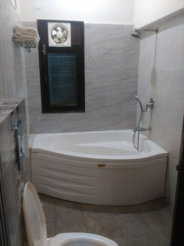 3 BHK Serviced Apartments