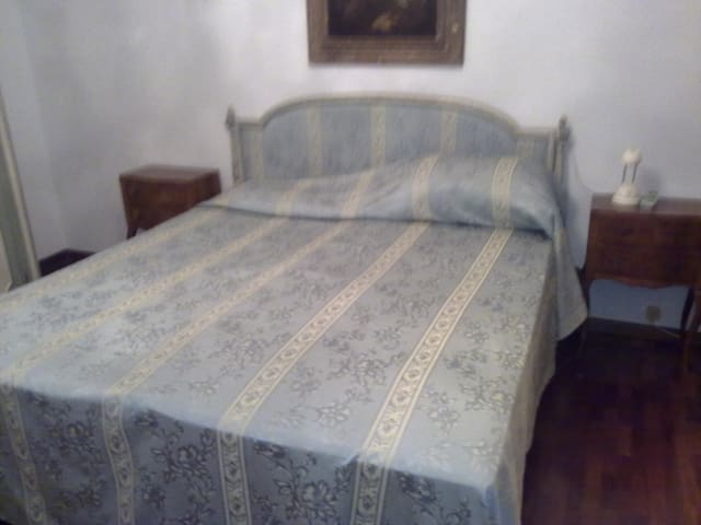 2 double bedrooms close to torino