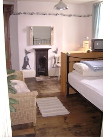 Double room in Georgian Town House - Bedford - Casa