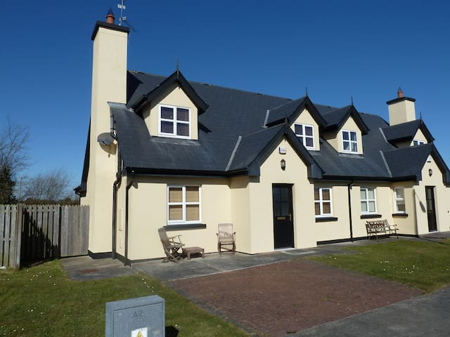 Beautiful 3-bed house in Rosslare - Rosslare Harbour - Rumah