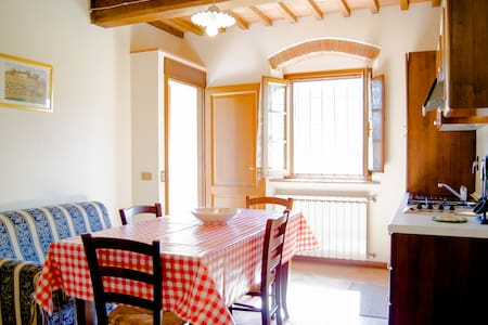 Wonderful apartment (farmholiday)  - Capraia e Limite - Byt