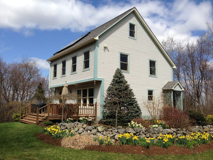 Country Home In New Haven, VT