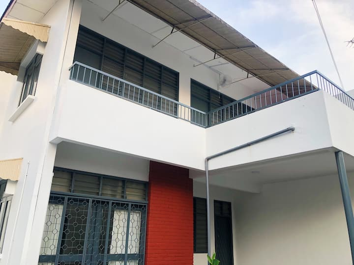 6BR/13pax Cosy Homestay @Jalan Ipoh