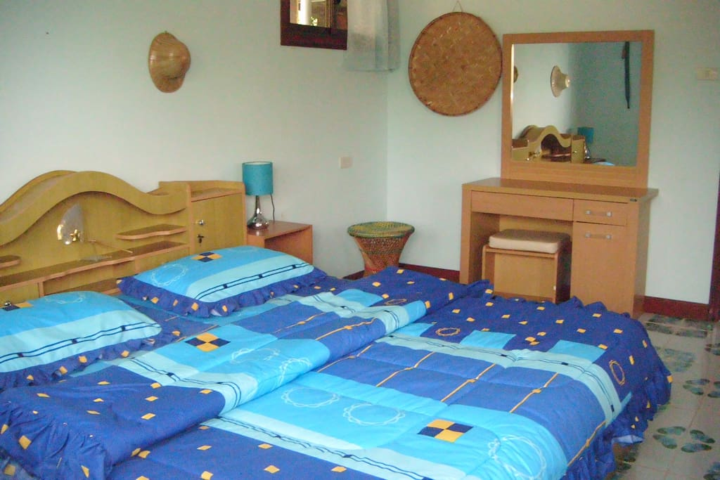 Valley View Lodge, Guest bedroom #2